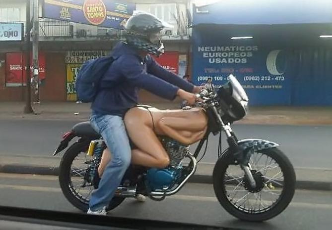 nackt motorrad bilder