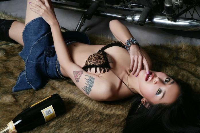 sexy asiatinen